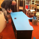 Björn applying the blue vinyl to the sides